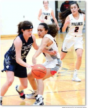 Fillies reel off 3 straight